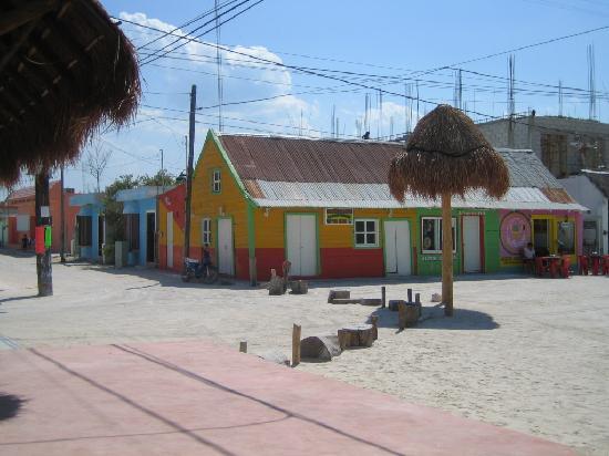 Holbox Hotel Casa las Tortugas - Petit Beach Hotel & Spa: Gemütliches Dorf