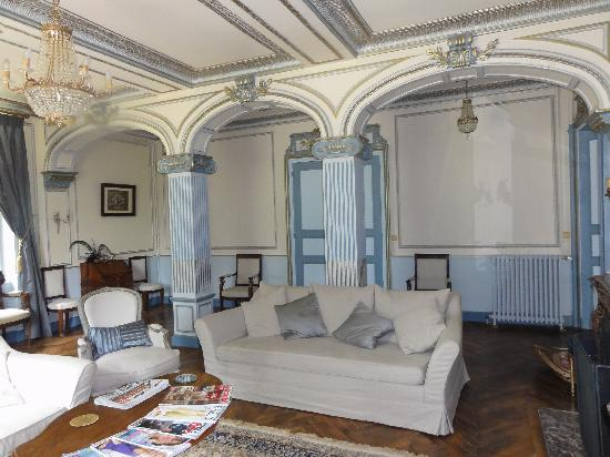 NuBeginnings France : Another of the gorgeous lounges