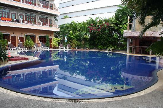 โทนี่ รีสอร์ท: One of the pools