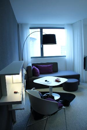 Novotel Suites Luxembourg: Living area