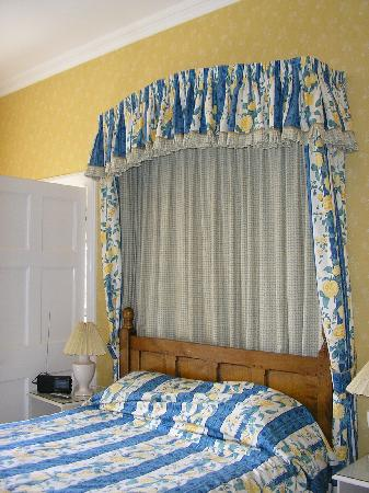 Callow Hall Hotel: our bed