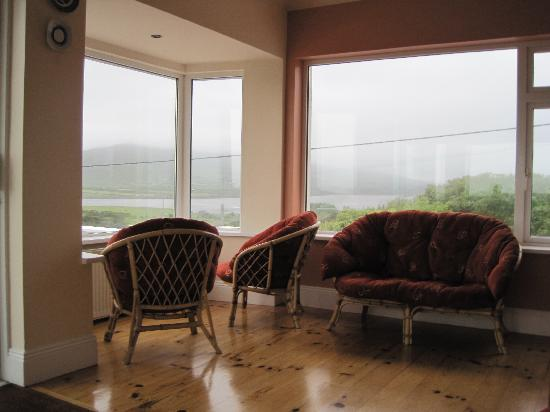 Cahersiveen, Ireland: In the lounge area.