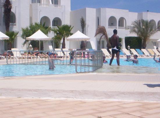 Hotel Djerba Les Dunes: vue de la piscine