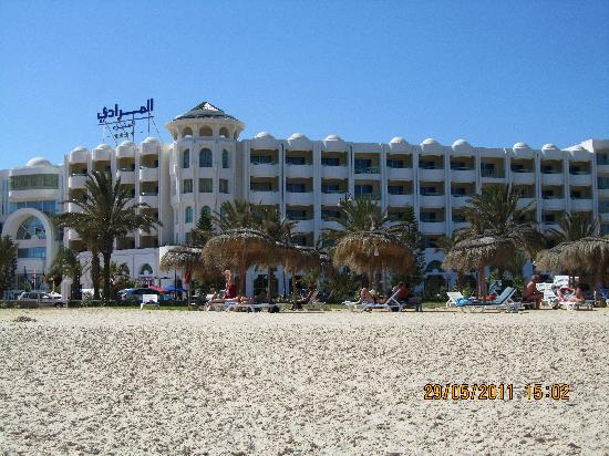 El Mouradi El Menzah: Hotel from the beach