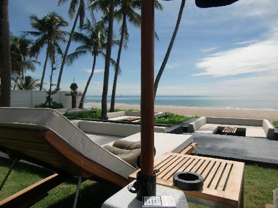 Cape Nidhra Hotel: Strand