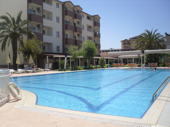 Aral Hotel: Large pool