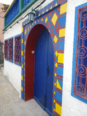 Taghazout Beach: Colourful door overlooking the fishing port