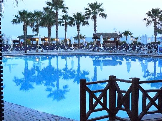 Voyage Sorgun: Main pool early evening