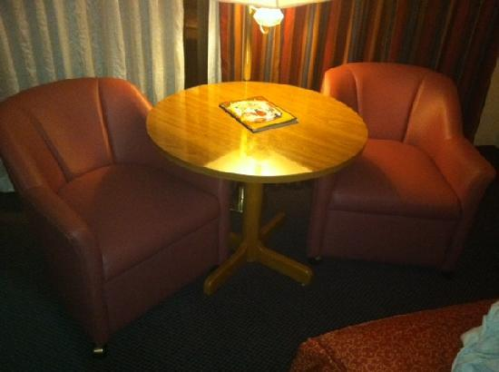 Red Lion Hotel & Casino: Old Nursing Home Chairs