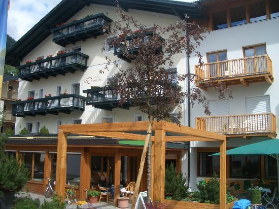 Hotel Drumlerhof: Vordersansicht Alt- und Neubau
