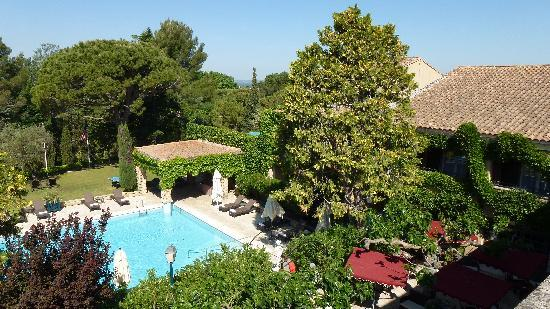 Hotel Le Vallon de Valrugues & Spa: view from romm to the pool