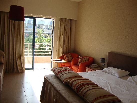 SENTIDO Ixian Grand: superior double room