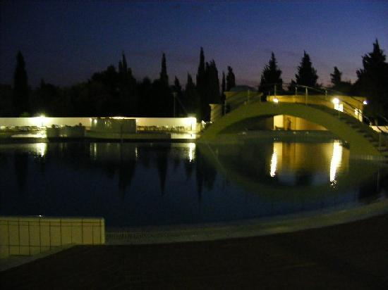 Bluesun Resort Bonaca: Pool at night