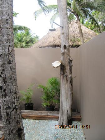 Yasawa Island Resort and Spa : The nice outdoor shower