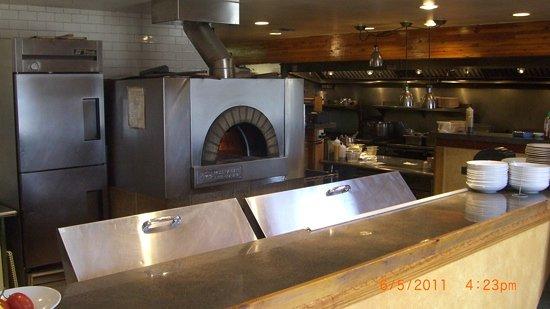 Bistro Enzo: kitchen