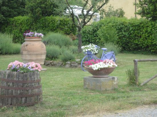 Not Ordinary Ways Tuscany Bike Tours: Beautiful farm house