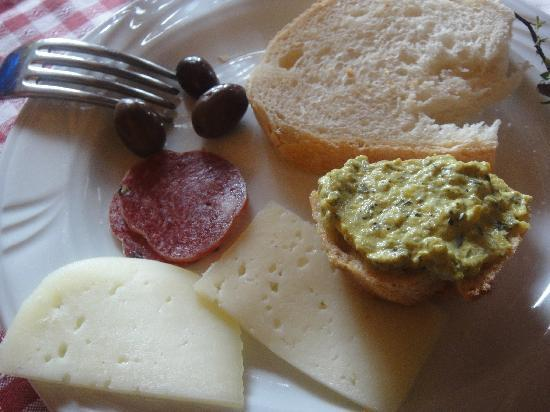Not Ordinary Ways Tuscany Bike Tours: delicious food