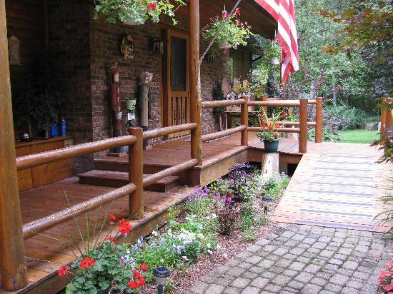 Horton Creek Inn B&B: Entrance way