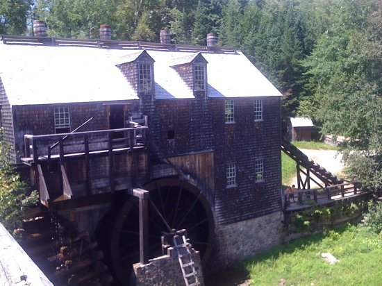 Lower Prince William, Kanada: very cool view of the old mill
