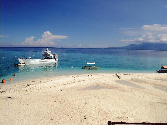Bluewater Sumilon Island Resort: the sand bar...perfect summer