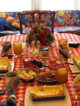 Flavia's Place Bed & Breakfast : breakfast