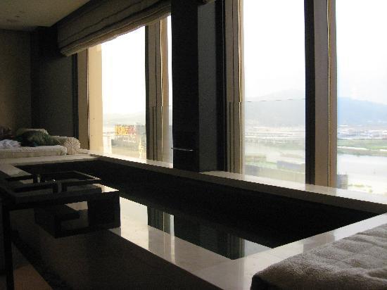 Banyan Tree Macau: relaxation pool