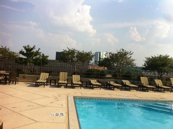The Westin Galleria Dallas: afternoon pool view