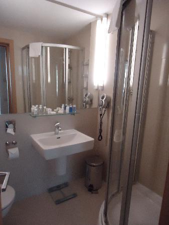 Hotel Christina: salle de bain