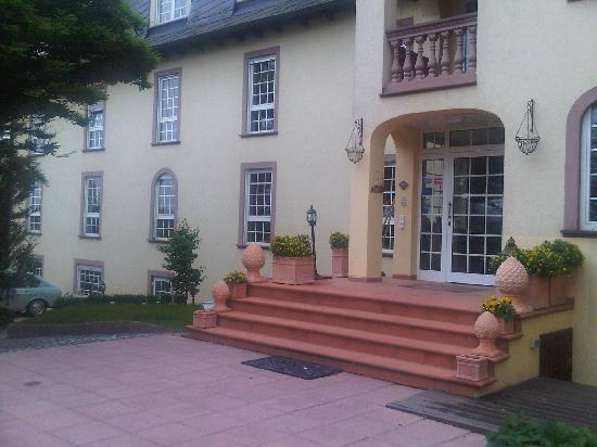 Villa Magnolia: Vorderansicht