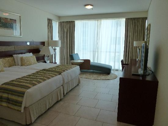 JA Oasis Beach Tower: Master bedroom