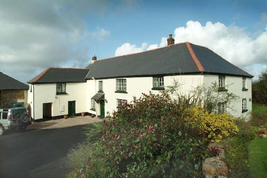 Higher Darracott Farm Bed & Breakfast: Farmhouse