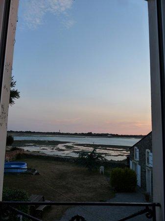 Port-Bail, Fransa: vue de la chambre bleue