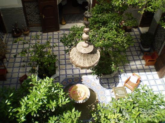 Riad Souafine : le patio vu de la terrasse