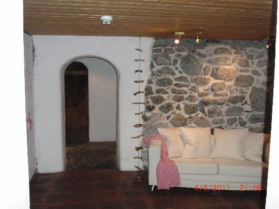 Guendlischwand, Suiza: Raum mit Sofa
