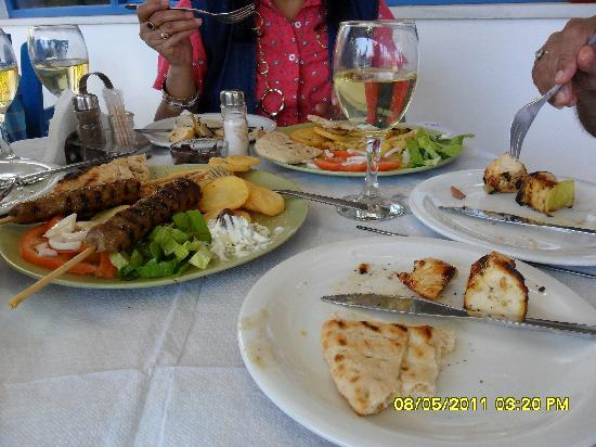 Estia Traditional Grill House: The kebab and Chicken souvlaki