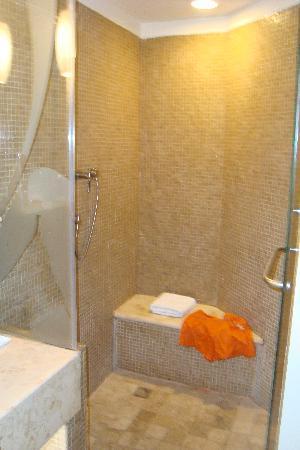 ME Cancun: superbe salle de bain