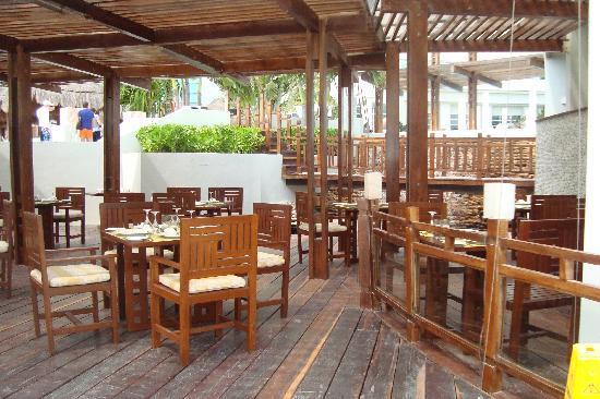 ME Cancun: restaurant exterieur