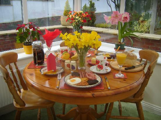 Lydshaw Bed & Breakfast: Wonderful Hospitality and Suberb Food