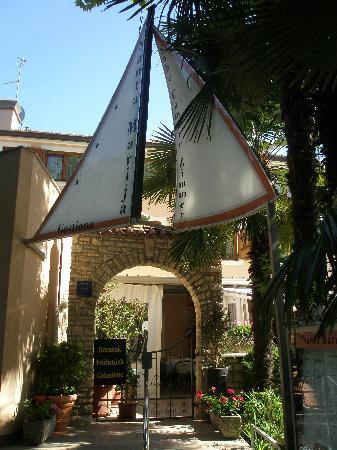 Old Stone Guest House Santa Maria : Eingang