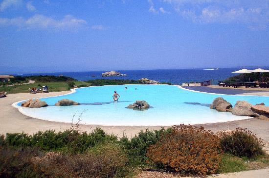 Resort Valle Dell'Erica Thalasso & Spa : piscina