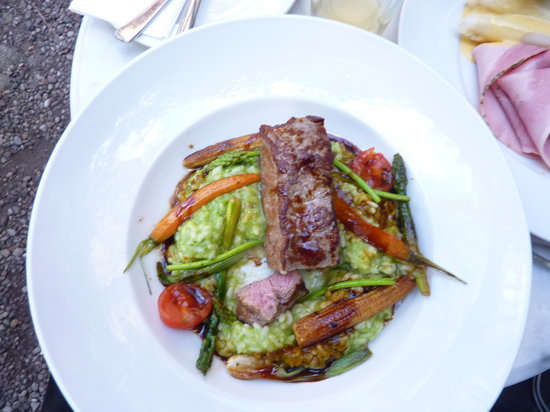 Clarchens Ballhaus Mitte: Grilled veal on risotto with roasted veggies