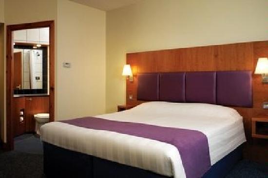 Premier Inn Leicester Central (A50) Hotel: A Premier Inn Bedroom