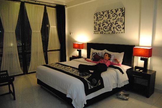 Puri Maharani Boutique Hotel & Spa: bed
