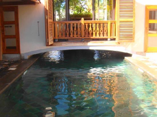 Sankhara Luxury Beach Villa: une piscine magique