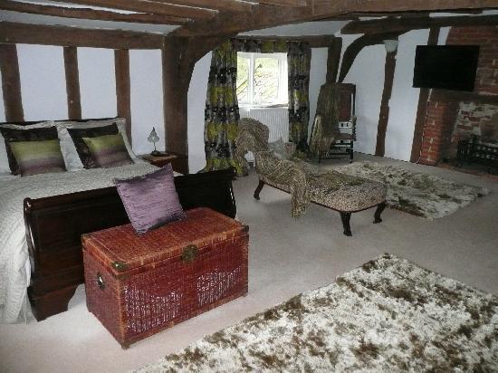Hill Farm House : The Oak bedroom