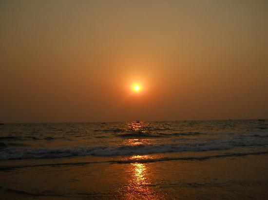 Kingstork Beach Resort : Sunset at Calangute