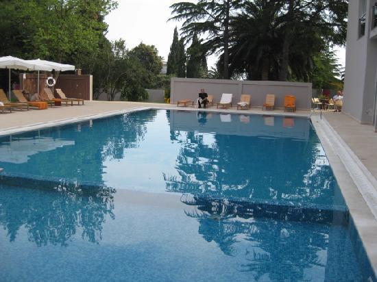 SENTIDO Tara: The pool