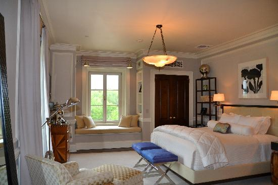 Glenmere Mansion: Vanderbilt suite bedroom