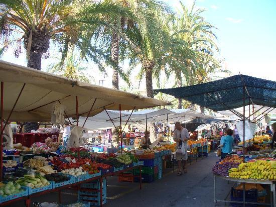 Cala Rajada, Spanien: Wochenmarkt Cala Ratjada, samstags
