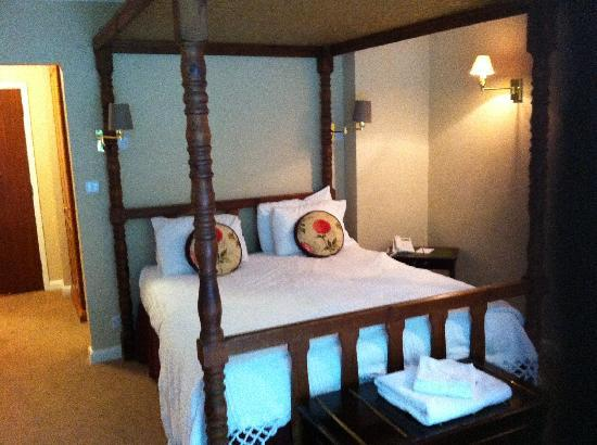 Donington Manor Hotel: Our beautiful room